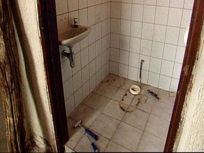 Plaatsen van een nieuwe wasbak of toilet fantv.nl