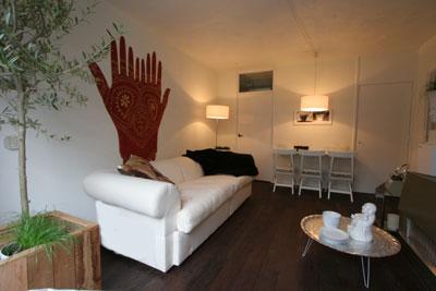 Rust en sereniteit in de woonkamer - Hoe een kleine woonkamer te voorzien ...